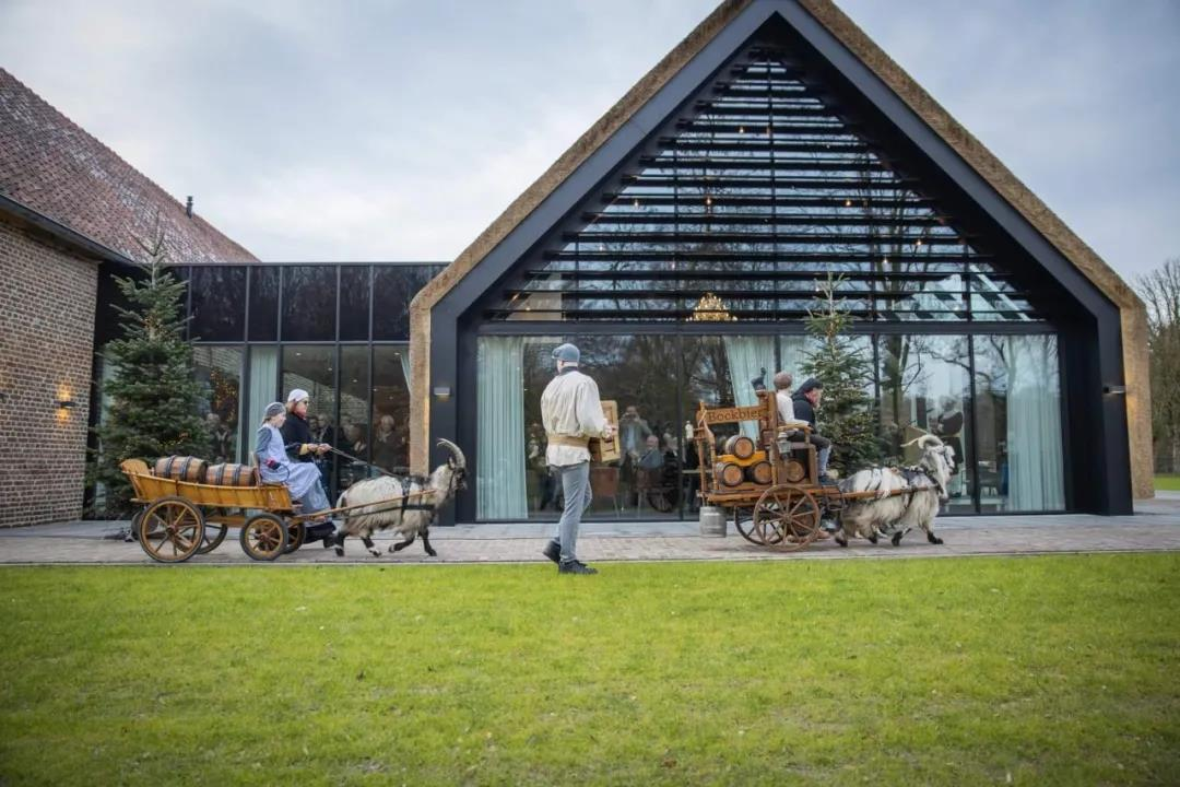 Higold Outdoor Furniture Presents at One Famous European Castle Farm
